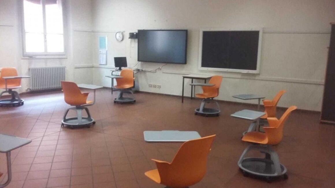 scuola banchi rotelle