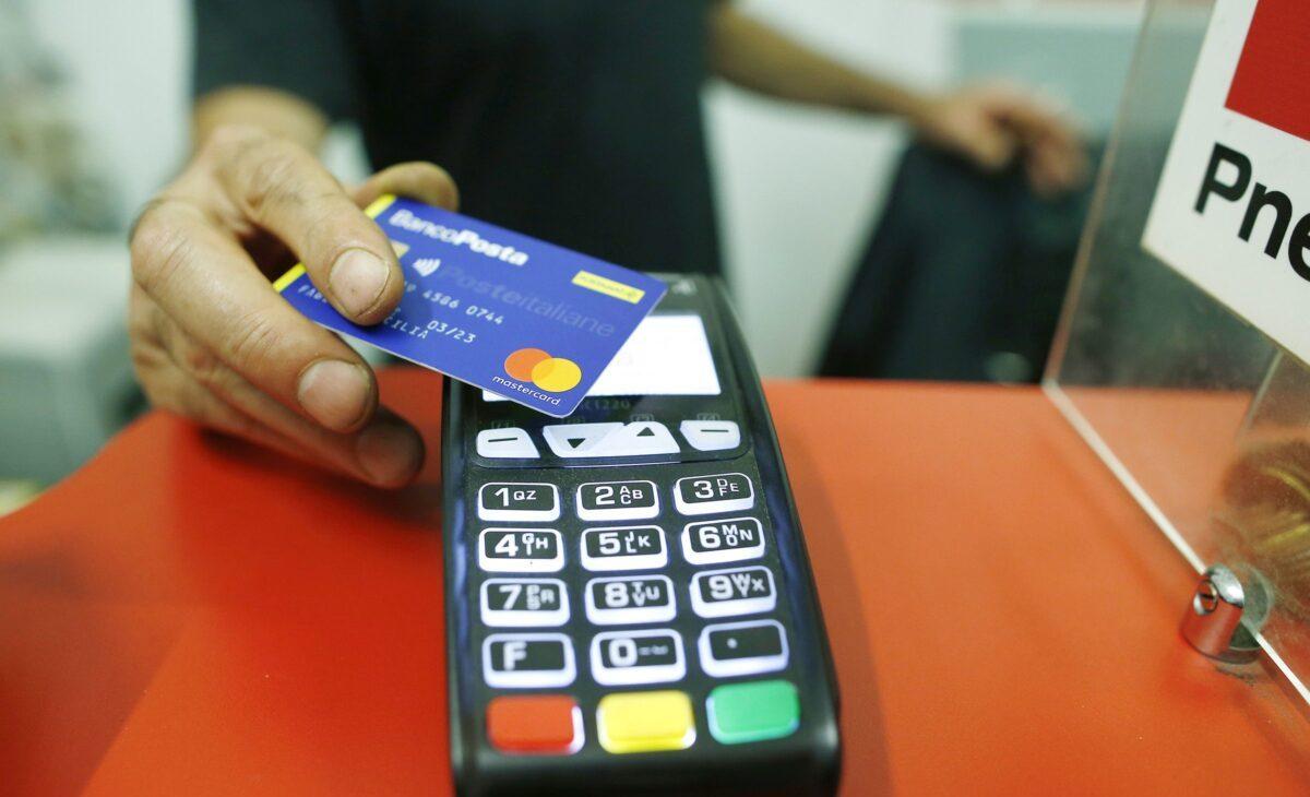 carta di credito passata sul pos