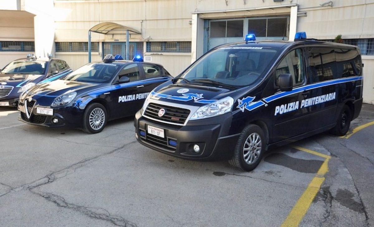 Polizia penitenziaria auto