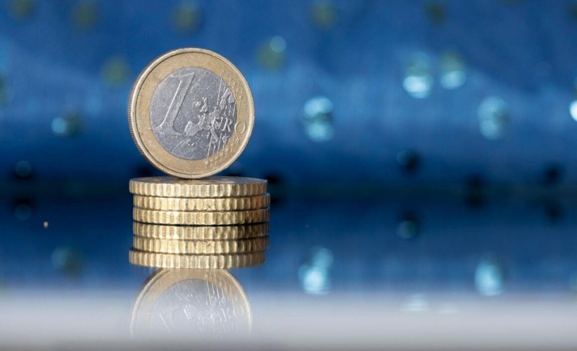 Moneta da 1 euro con la croce